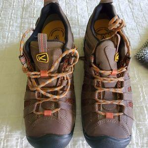 Keen steel toe size 9 men's shoes